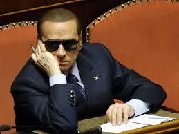 Berlusconi taglia gli stipendi alle Olgettine per paura degli arresti domiciliari