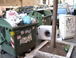 """Mentre il """"Supremo"""" dei rifiuti Cerroni parla ai magistrati dei politici romani, l'Ama perde subito i vertici. Parte male il 2014 romano in materia di rifiuti"""
