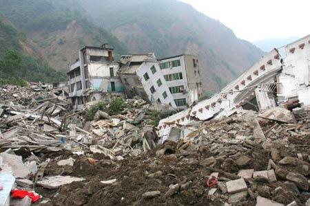 Quattro arresti a l'Aquila. Tangenti pagate persino per le prime opere d'emergenza dopo il terremoto