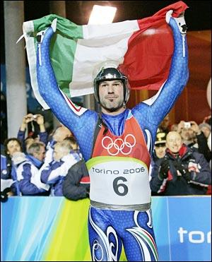 Armin Zoeggeler vince per la terza volta il titolo europeo di slittino. 57 vittorie in carriera