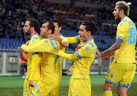 Coppa Italia. il Napoli travolge 3-0 la Roma al San Paolo e si qualifica per la finale del 7 maggio contro la Fiorentina