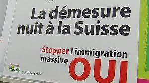 """In Svizzera con il 50,5% vincono i """"si"""" del referendum anti immigrazione. Tutti da rifare gli accordi con Ue"""