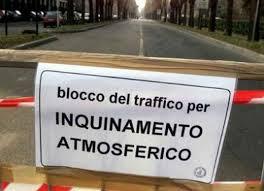 Domenica di blocco a Roma delle auto e moto più inquinanti. Il divieto dalle 7 alle 12,30 e dalle 15,30 alle 19