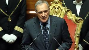 """""""Si"""" del Presidente Grasso alla costituzione parte civile del Senato contro Silvio Berlusconi per la compravendita dei senatori. Il Consiglio di presidenza si era espresso contro 10 a 8"""