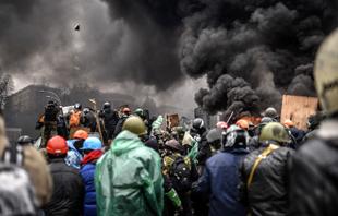 La rivolta dilaga in Ucraina. Continui scontri a Kiev tra polizia e dimostranti mentre si fa più pesante il bilancio delle vittime: 28 morti e 287 feriti