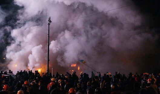 Continuano gli scontri a Kiev e in tutta l'Ucraina oramai sulla via della guerra civile. 100 i morti