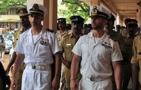 Il Governo indiano si accingerebbe a far cadere l'accusa di pirateria nei confronti dei due marò italiani da due anni bloccati in India