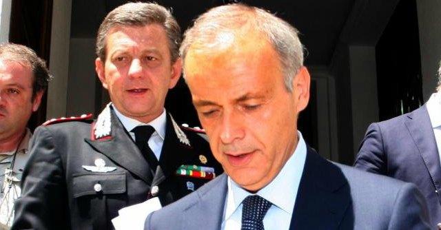 Ex procuratore di Bari, Laudati, rinviato a giudizio con l'accusa di aver favorito Tarantini nell'indagine sulle escort di Berlusconi