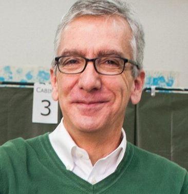 Il candidato del Pd Francesco Pigliaru è il nuovo Presidente della Sardegna. Il Centro destra però é subito dietro come coalizione. Vince l'astensionismo