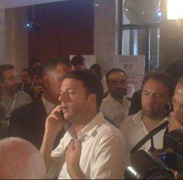 """Renzi chiamato alla prova. Deve convincere i partiti e gli italiani di essere capace di costruire e far dimenticare il """"peccato originale"""" con cui nasce il suo esecutivo."""