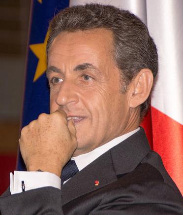 Francia: vince il centro destra di Sarkozy. Resta poco ai socialisti. Sconfitta la Le Pen
