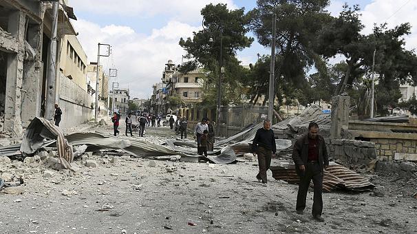 Aleppo: colpita scuola. Molti i morti tra i bambini. Scambi di accuse tra le parti