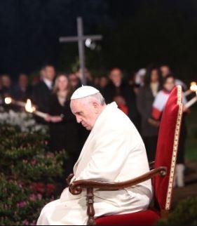 """Papa Francesco ricorda e prega per i tanti cristiani trucidati solo per la loro fede e spesso """"con il nostro silenzio complice"""""""