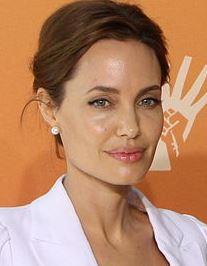 Angiolina Jolie fa lanciare il test della Brca ma aumentano i dubbi sull'efficacia