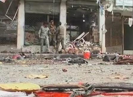 Strage tra i clienti di due banche a Jalalabad, in Afghanistan: 33 morti, centinaia di feriti