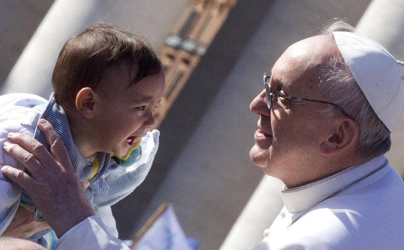 Francesco: ogni bambino fatto soffrire é un grido che sale al Cielo