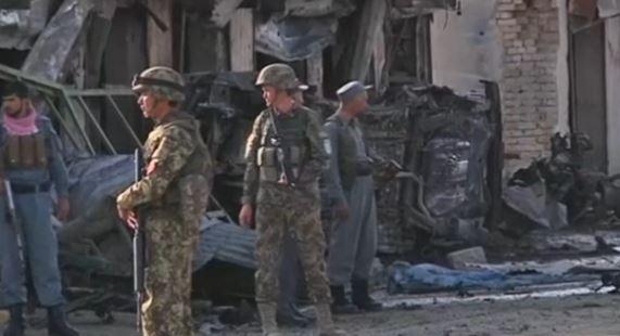 Terribile attentato in Afghanistan fuori di una banca:22 morti e 50 feriti