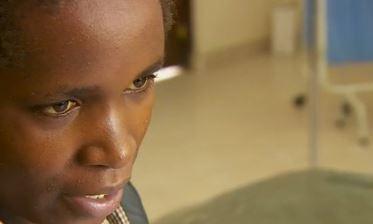 """""""Per sopravvivere ho dovuto bere la lozione da bagno"""". Drammatica intervista dopo massacro Kenya"""