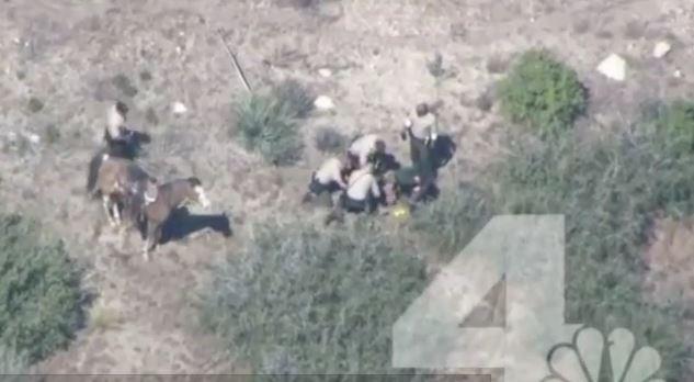 Altri poliziotti Usa pestano a sangue un arrestato. Video shock