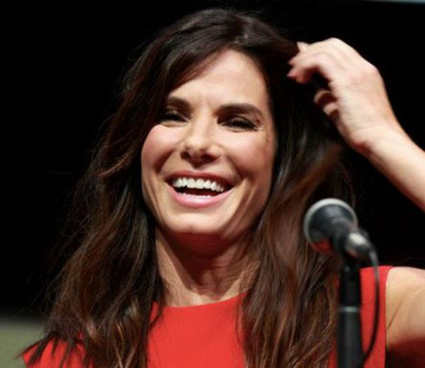 Sandra Bullock la più bella per People 2015