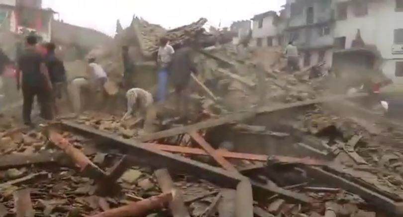 1500 morti nel Nepal, 41 in India, ma il drammatico bilancio purtroppo salirà