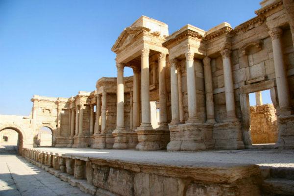 Isis in Siria: uccisi 26 civili. 10 decapitati. Si apprestano a distruggere un'altra città antica