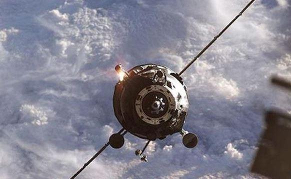 Domani ci piomba sulla testa satellite russo fuori controllo. 25 milioni di euro in fumo