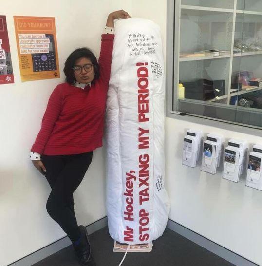Australia: studentessa vince la battaglia contro le tasse sull' assorbente