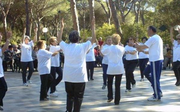 L'esercizio fisico sopra i 65 regala fino a cinque anni di vita