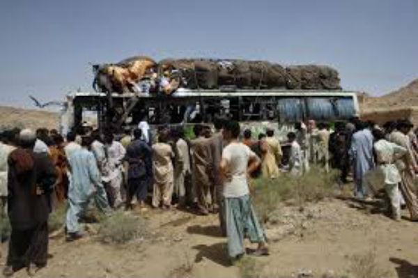 19 vittime per un attacco a due autobus nel Belucistan pakistano