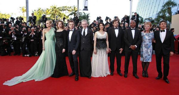 """Cannes: la battaglia dei tacchi delle star che sfilano sul """"red carpet"""""""