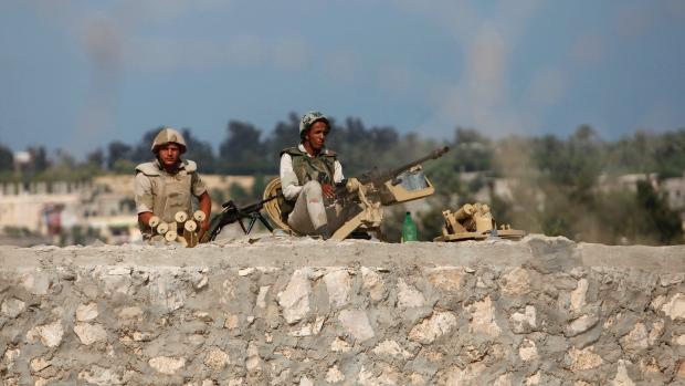 6 condanne a morte eseguite in Egitto. Si tratta di uomini Isis operativi nel Sinai