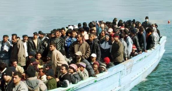 Saliti a 4.000 i migranti recuperati in mare. Più di 200 portati in Italia dai francesi