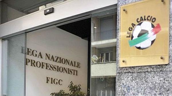 """Altra giornata nera per il calcio italiano. Dalle partite truccate ai """"giochetti""""dietro i diritti tv"""