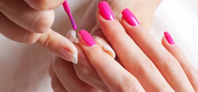Manicure, parrucchieri e truccatori a rischio tumore per i prodotti di bellezza