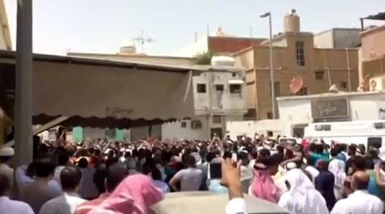 30 morti e 150 feriti per un attentato contro moschea shiita in Arabia Saudita