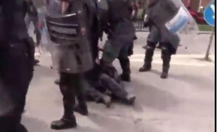 Due feriti a Massa per le proteste contro Matteo Salvini