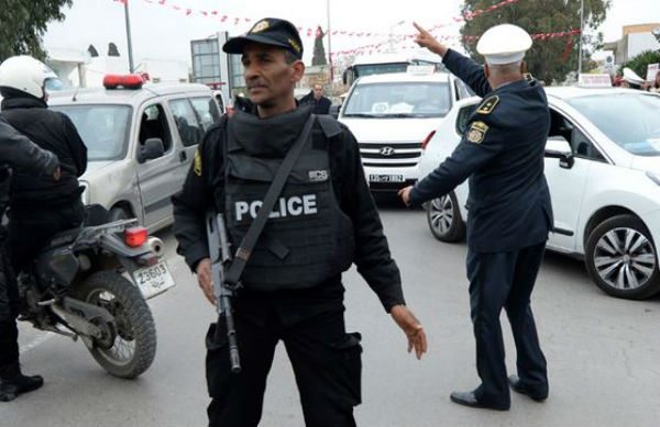 Tunisia: 8 morti in caserma. Anche il soldato che ha iniziato a sparare