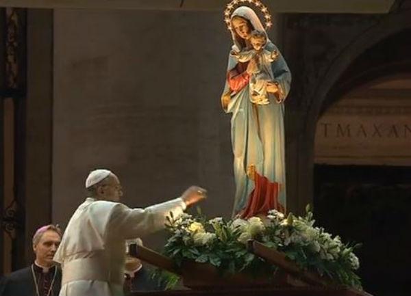 Veggenti: Francesco torna a parlare della vera fede. Attesa decisione su Medjugorje