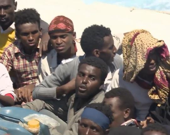 """Migranti: mentre in un solo giorno se ne salvano 3.500, la Lega """"chiude"""" le regioni del Nord"""