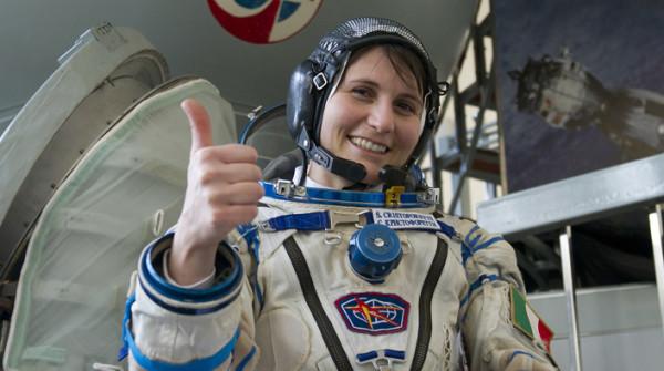Samantha Cristoforetti è di nuovo a Terra. Ben Tornata!
