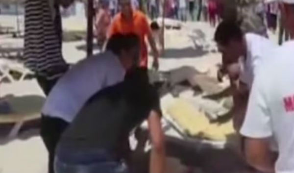 37 morti e 36 feriti. Quasi tutti turisti le vittime dei terroristi ad Hammamet. Altri 25 per autobomba contro moschea nel Kwait