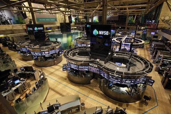 Guai telematici: sospesa Borsa di New York. 3.500 aerei della United a terra.