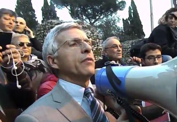 """Si dimette il vicesindaco Nieri che attacca """"poteri e interessi"""" su Roma"""