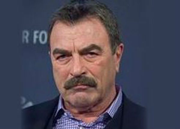 Da Magnum PI e Blue Bloods a ladro d'acqua  per il suo ranch. Tom Selleck nei guai