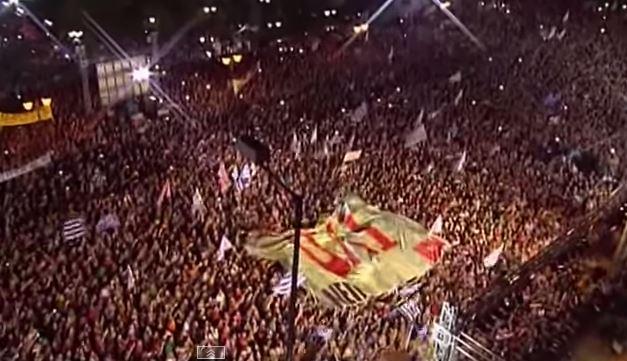 Folla e scontri ad Atene in vista del referendum di domani