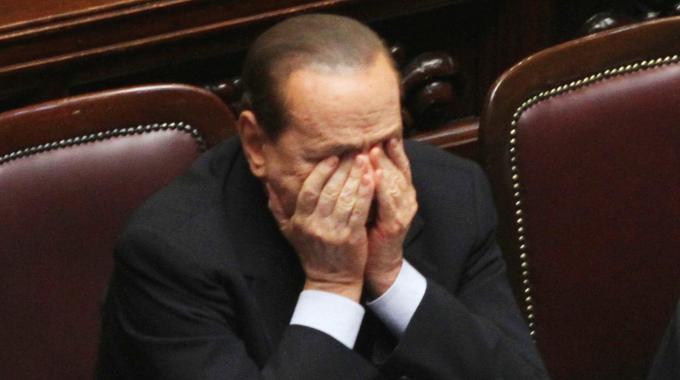 Berlusconi: dopo la condanna per corruzione, gli tolgono anche il vitalizio