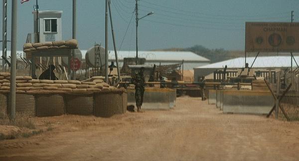 Afghanistan : attacco suicida contro base militare al confine con Pakistan
