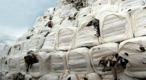 Tutti sottovalutano sentenza Ue contro Italia sui rifiuti. Multa miliardaria per le ecoballe
