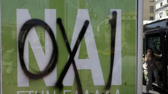 """In attesa dei passi ufficiale ferve il lavoro """"sotto banco"""" per la crisi greca dopo il duro """"NO"""" del referendum"""